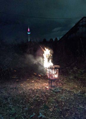 Lichtmess Feuer vor dem Lichtwurzel - Glashaus Frankfurt